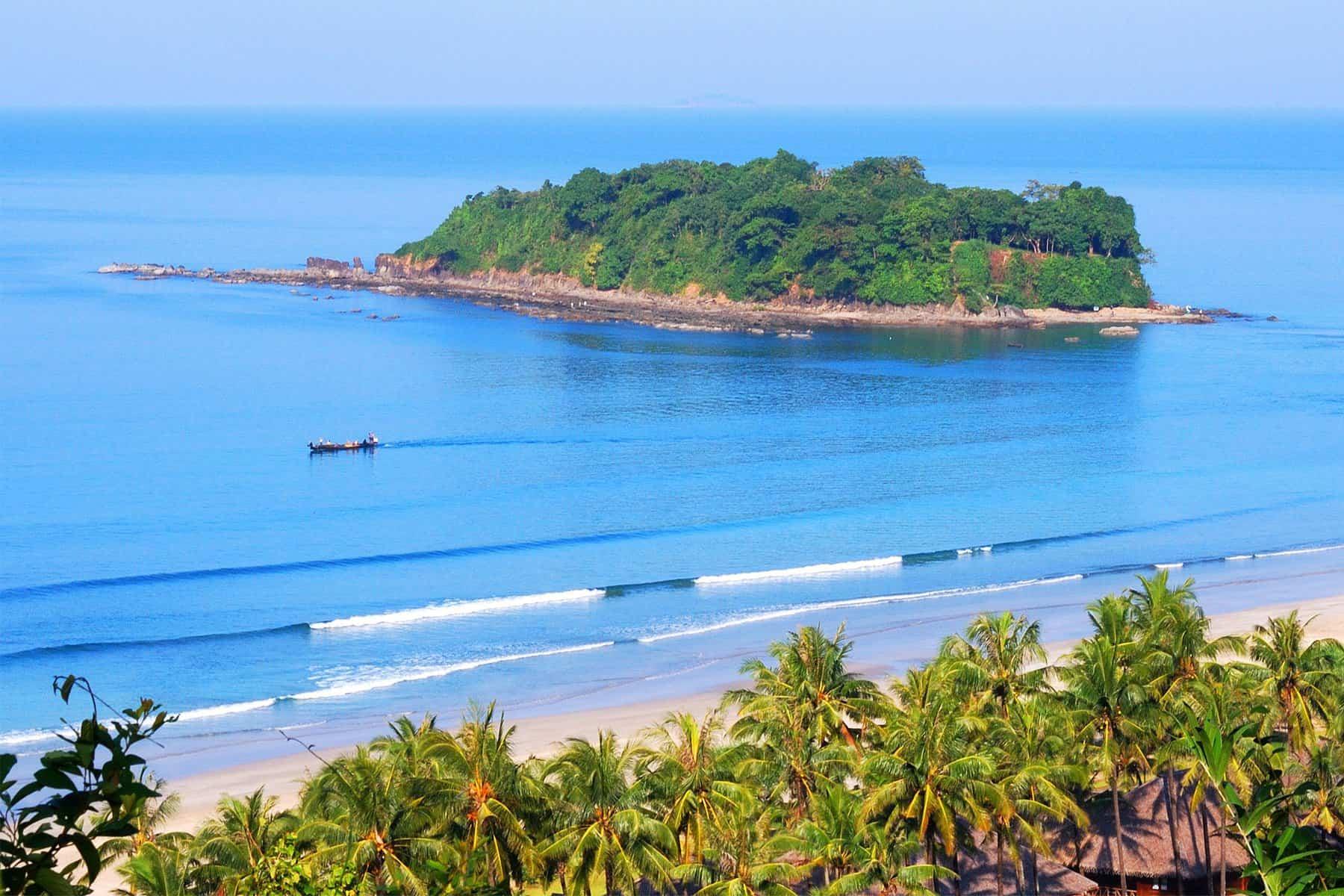 Ngwe Saung/Chaung Thar (Beach)